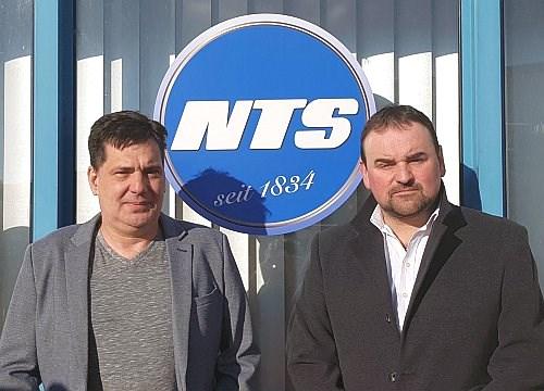 N.T. Stumbeck: Geschäftsführer Hans Willkommer (rechts) und IT-Leiter Robert Lernbecher.